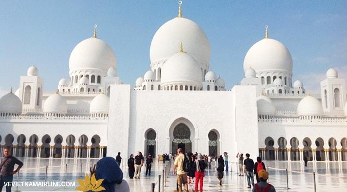Vẻ đẹp nghẹt thở của thánh đường Hồi giáo ở Dubai