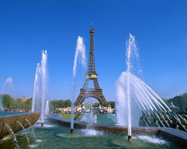 Vé máy bay đi Paris giá rẻ
