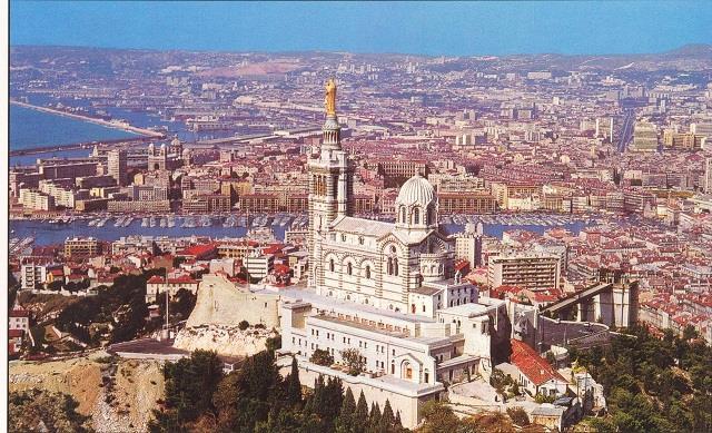 Vé máy bay đi Marseille giá rẻ
