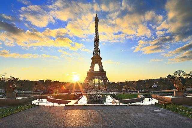 Vé máy bay đi Paris từ Hồ Chí Minh