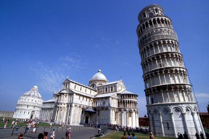 Vé máy bay đi Pisa