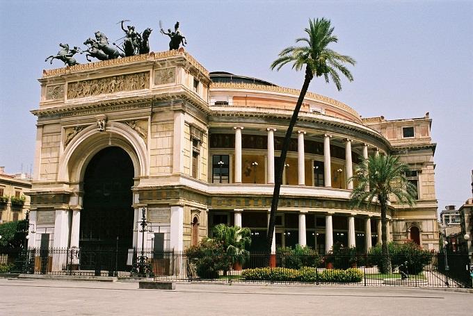 Vé máy bay đi Palermo