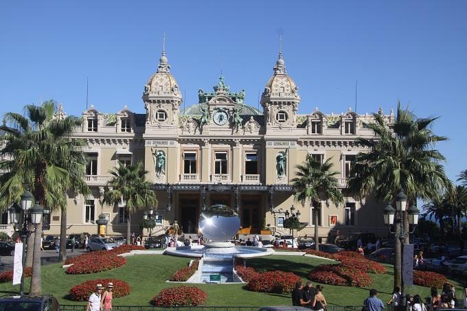 Vé máy bay đi Monte Carlo từ Hà Nội