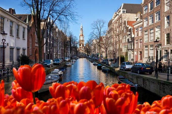 Vé máy bay đi Holland từ Hà Nội