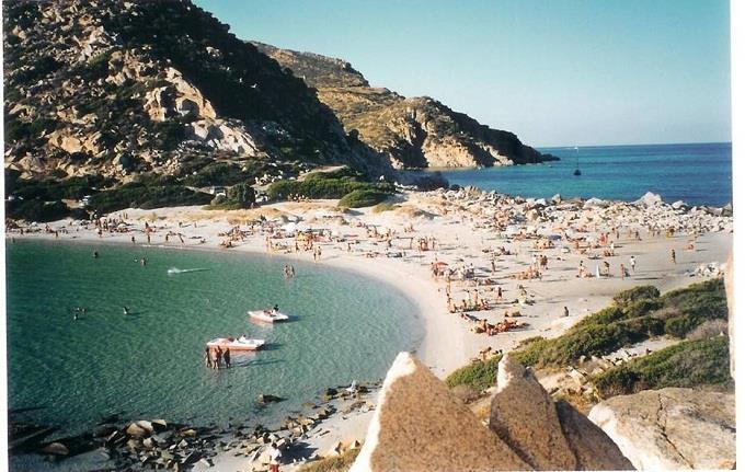 Vé máy bay đi Cagliari giá rẻ