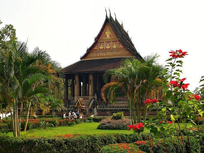 Vé máy bay đi Lào từ Hà Nội