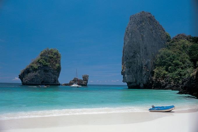 Vé máy bay đi Phuket từ Sài Gòn