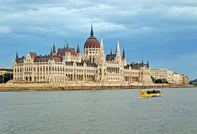 Vé máy bay đi Hungary từ Sài Gòn