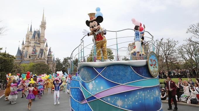 Tokyo Disneyland – không gian của giới trẻ