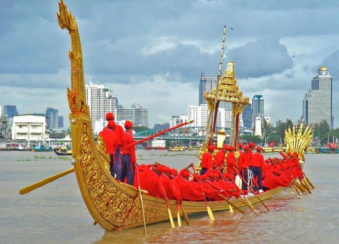 Lễ rước thuyền truyền thống ở Bangkok