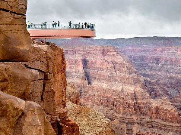 Skywalk - kỳ quan nhân tạo bên đại vực Grand Canyon