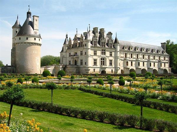 Đến Pháp thăm những lâu đài đẹp như cổ tích