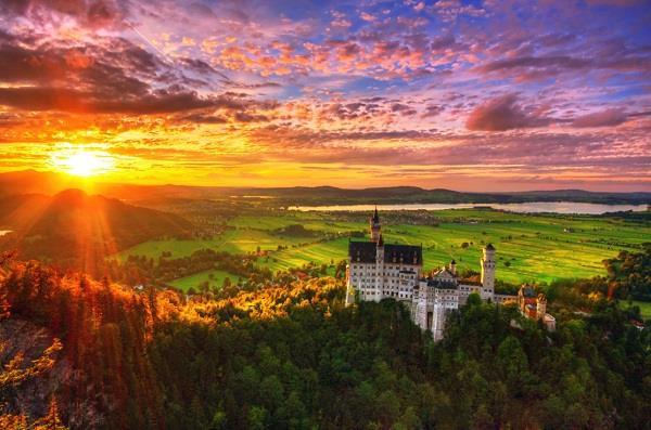 Những tòa lâu đài đẹp như cổ tích nước Đức