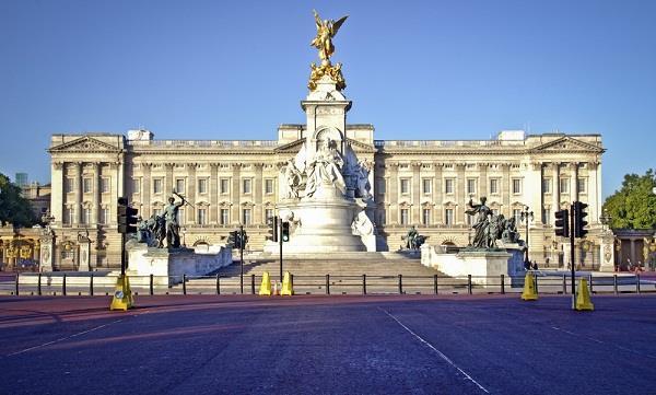 Những công trình cổ kính nổi tiếng của Anh