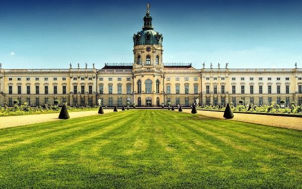 Những địa danh nổi tiếng bạn nên ghé thăm khi du lịch Berlin