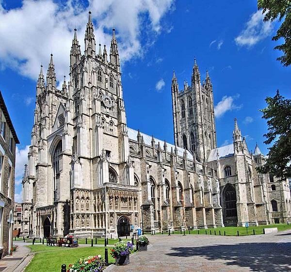 Những điểm du lịch bạn nên ghé thăm khi du lịch Anh