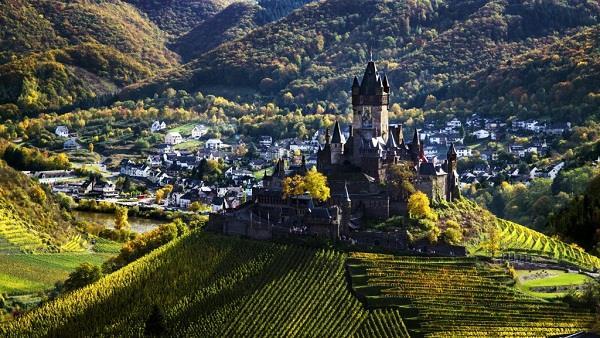 Những tòa lâu đài tuyệt đẹp nước Đức