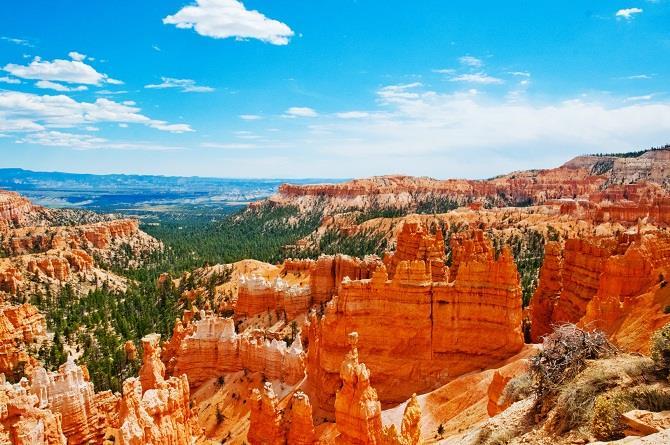 Công viên Bryce Canyon sắc màu ở Mỹ