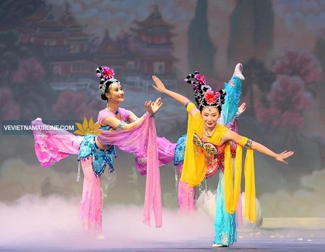 Bay cùng hoa sen trải nghiệm Trung Hoa giá sốc chỉ 117 USD