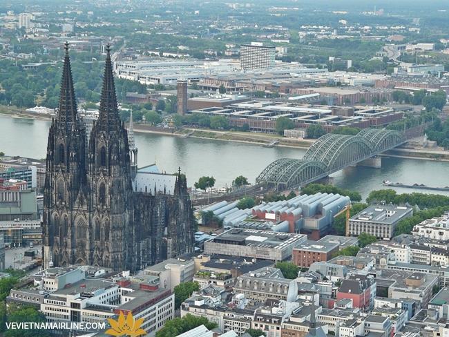 10 nhà thờ Gothic tuyệt đẹp ở Châu Âu