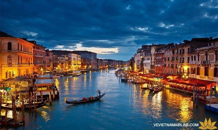 """5 thành phố """"đáng đến"""" ở Ý mà bạn không nên bỏ qua"""