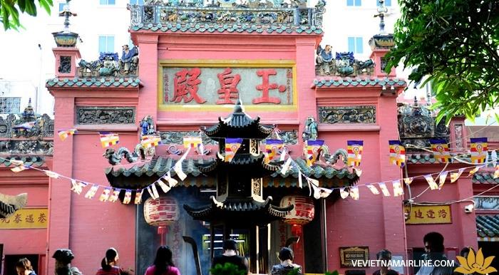 Những ngôi chùa nổi tiếng nhất định phải đến trong dịp đầu năm tại Sài Gòn