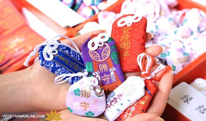 Du lịch Nhật Bản nên mua gì về làm quà?
