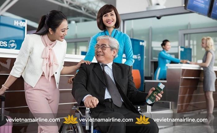 Người cao tuổi đi máy bay Vietnam Airlines cần những loại giấy tờ gì?